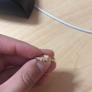 14k gold claddagh ring